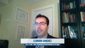 O professor Leandro Sanchez palestra sobre reações expansivas no concreto