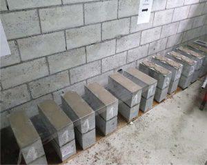 Blocos de alvenaria estrutural preparados para ensaio