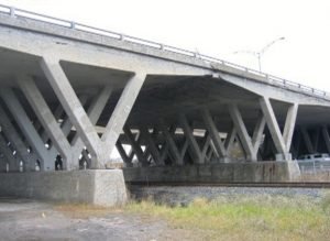 Análise multinível do Viaduto Robert-Bourassa Charest